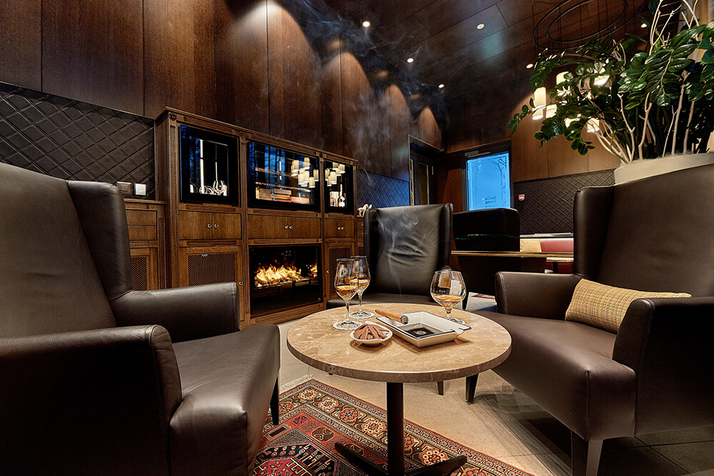 Fumoir, Cigar Lounge, Smokers Lounge im Hotel Eden in Spiez